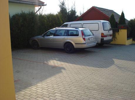 Parkoló
